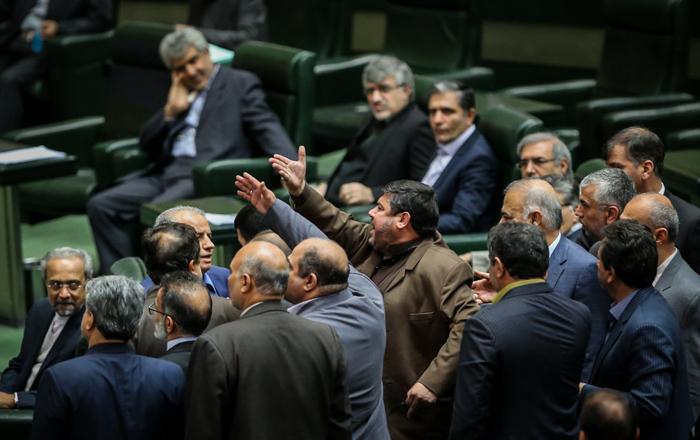(تصاویر) تقدیم آخرین بودجه دولت به مجلس