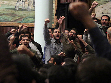 (تصاویر) فریاد مخالفان و موافقان در حضور روحانی
