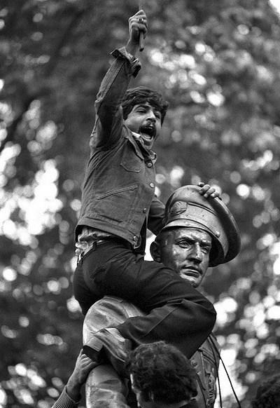 (تصاویر) روایت عکاس فرانسوی از انقلاب ایران