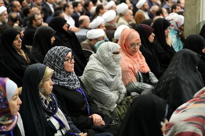 (تصاویر) دیدار مسئولان نظام و میهمانان کنفرانس وحدت اسلامی با رهبر انقلاب