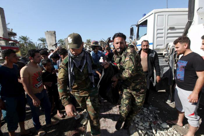 (تصاویر) انفجار تروریستی در پمپ بنزین