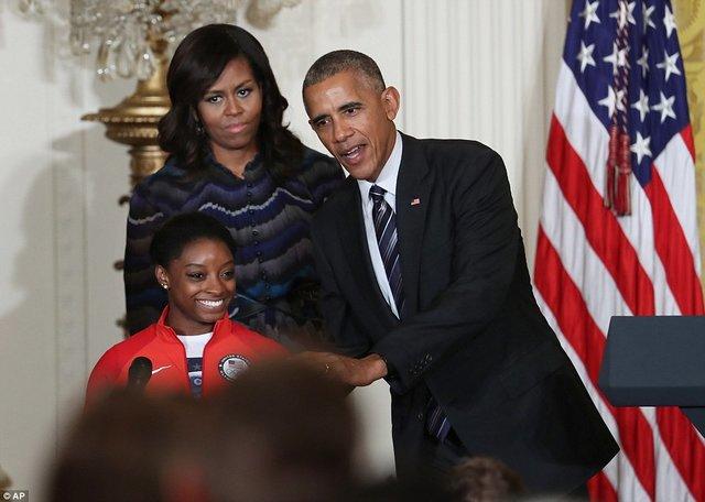 (تصاویر) سیمونه بایلز دختری ۲۰ ساله و ۱۹ مدال رنگارنگ