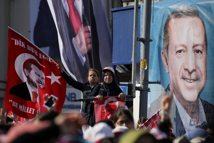 همهپرسی تاریخی ترکیه آغاز شد