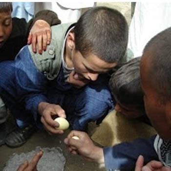 بازی با تخم مرغ!