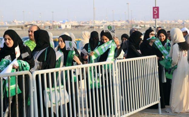 (تصاویر) روز تاریخی زنان عربستان