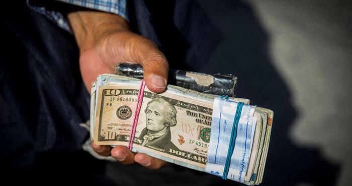 چند دلیل برای تلاطم دلار