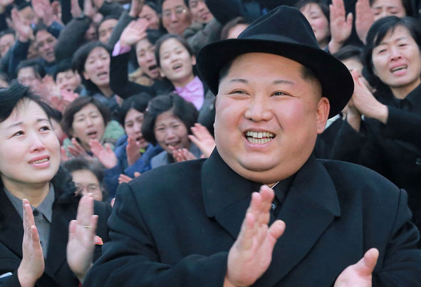 (تصاویر) رهبر کره شمالی در دانشکده زنان