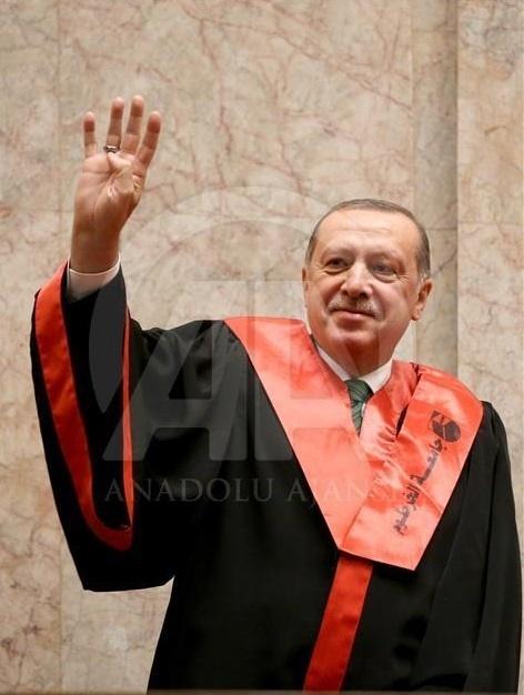 (تصویر) اردوغان در سودان دکترا گرفت