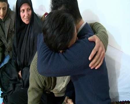 کودک گمشده مشگینی پس از ۱۲ سال به آغوش خانواده بازگشت