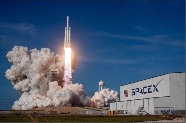 قوی ترین موشک دنیا به فضا رفت