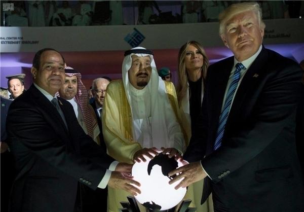 همه گافها و اقدامات جنجال برانگیز ترامپ در ۱۲ ماه ریاست جمهوری