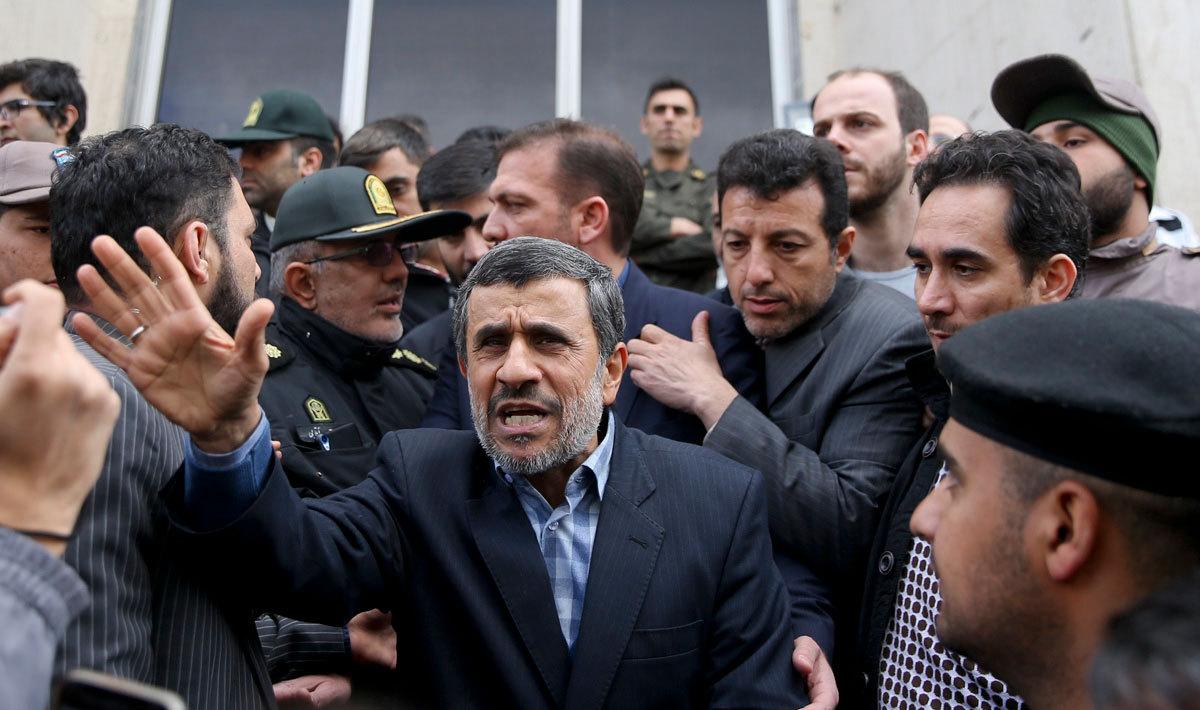 جمهوری اسلامی: هیچکس به احمدی نژاد کاری ندارد،اما...