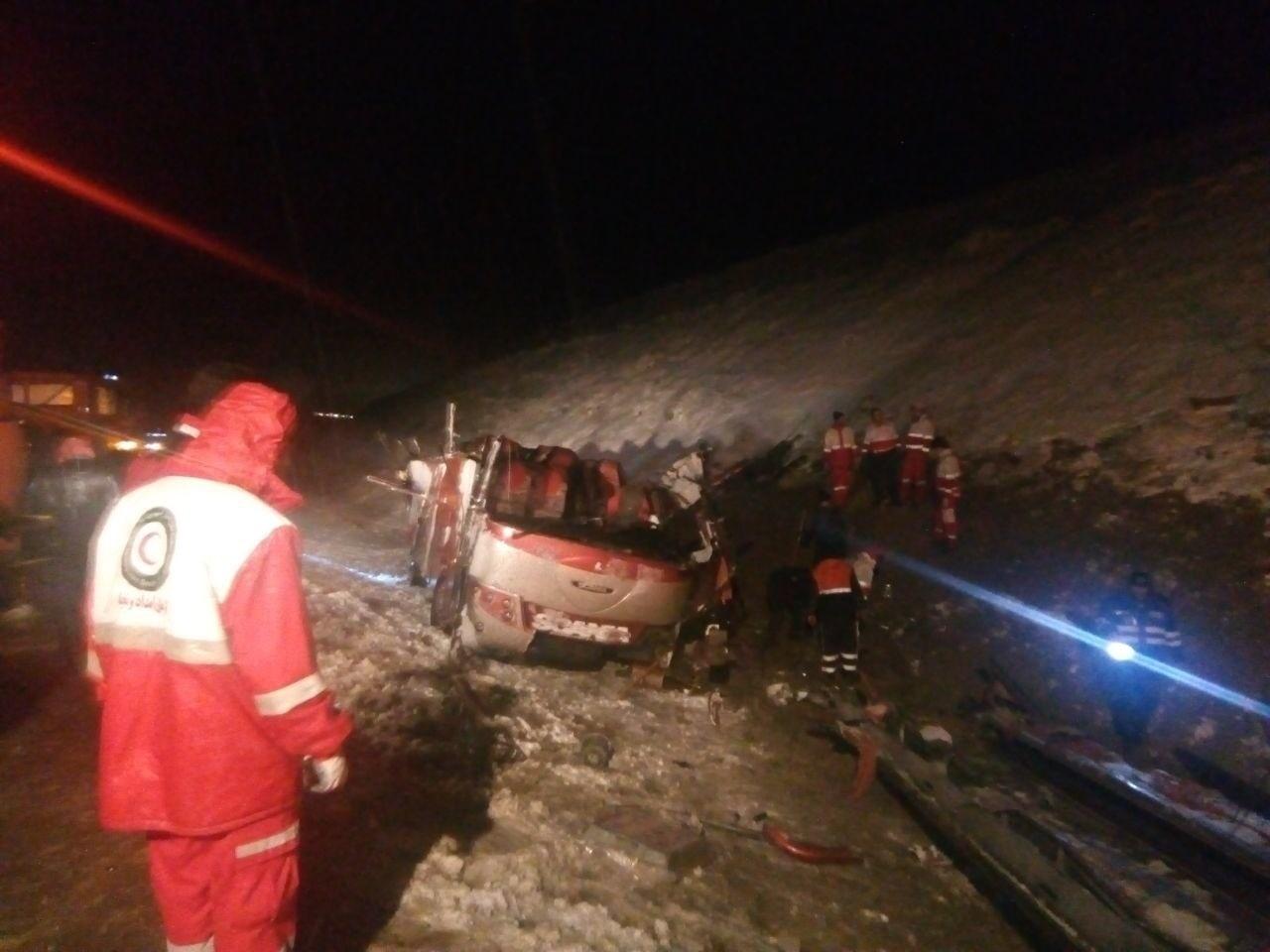 ۳ کشته و ۲۰ مصدوم در واژگونی اتوبوس در اتوبان تبریز ,