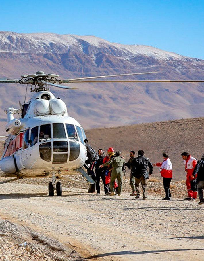 (تصاویر) جستجوی لاشه هواپیما با بالگرد