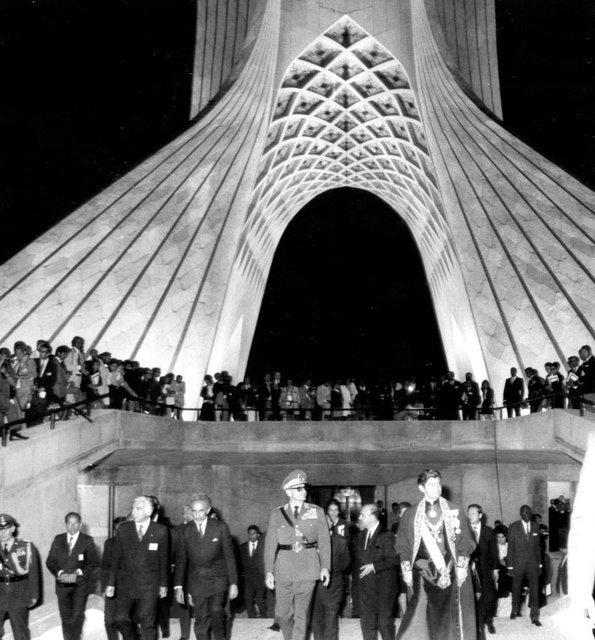 یک اشتباه تاریخی درباره برج آزادی