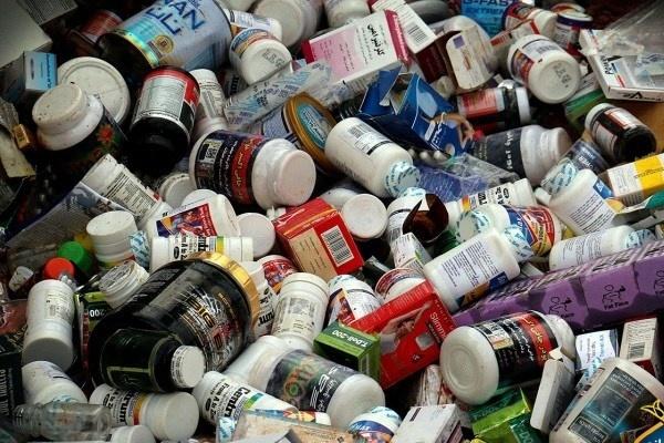 ۵۰ درصد صنعت دارو در اختیار ۳۰۰ داروخانه