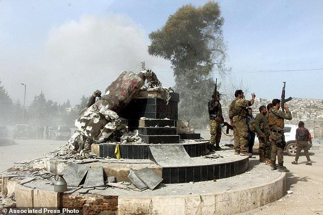 (تصاویر) غارت گسترده عفرین توسط ارتش ترکیه و شورشیان سوری