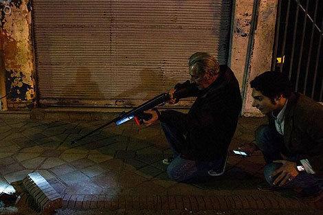 (ویدئو) شکار موشهای تهران با تفنگ