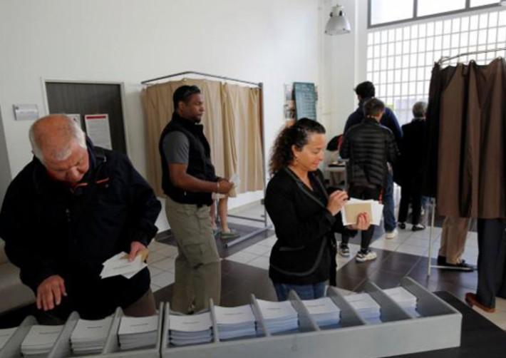 (تصاویر) آغاز انتخابات ریاستجمهوری فرانسه
