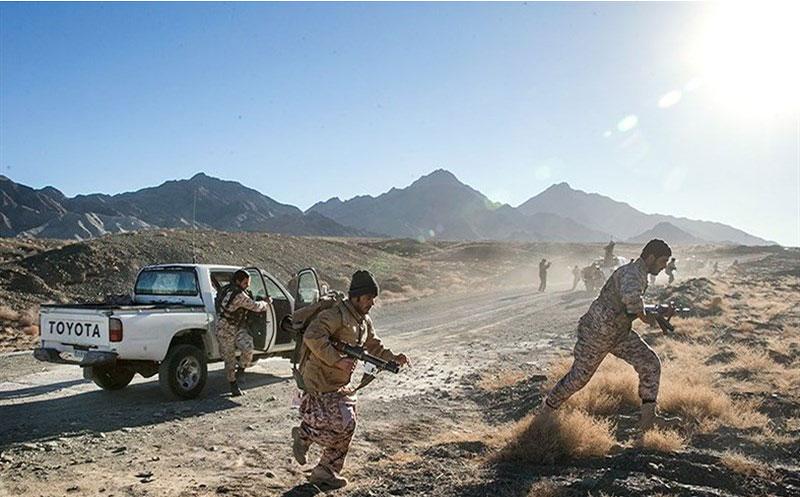 فرارو- مأموران انتظامی هنگ مرزی میرجاوه با اشرار درگیر شدند که به شهادت تعدادی از آن ها انجامید.