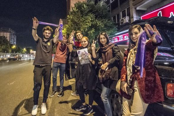 (تصاویر) گزارش اسپوتنیک از جشن پیروزی در تهران