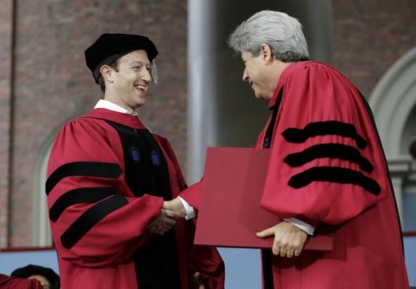 (تصاویر) بازگشت باشگوه زاکربرگ به هاروارد