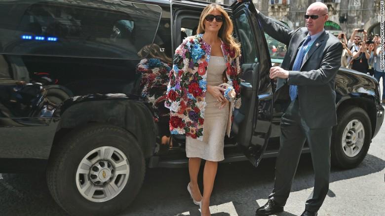 (تصاویر) جنجال کت گران قیمت همسر ترامپ
