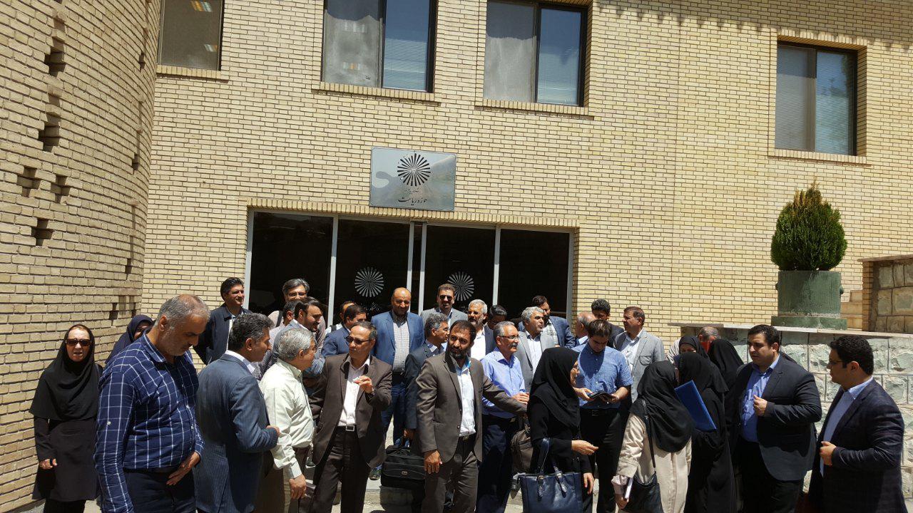 (تصاویر) تجمع اعتراضی اساتید دانشگاه پیام نور