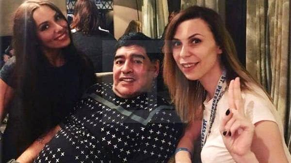 تعرض جنسی مارادونا به خبرنگار زن روسی!
