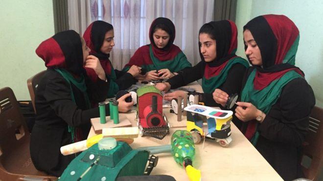وساطت ترامپ برای دختران افغان