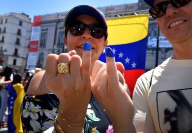 تصاویر/ رفراندوم در ونزوئلا برای براندازی دولت!