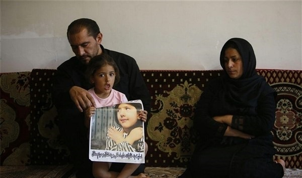 تصاویری از پدر، مادر و خواهر آتنا اصلانی
