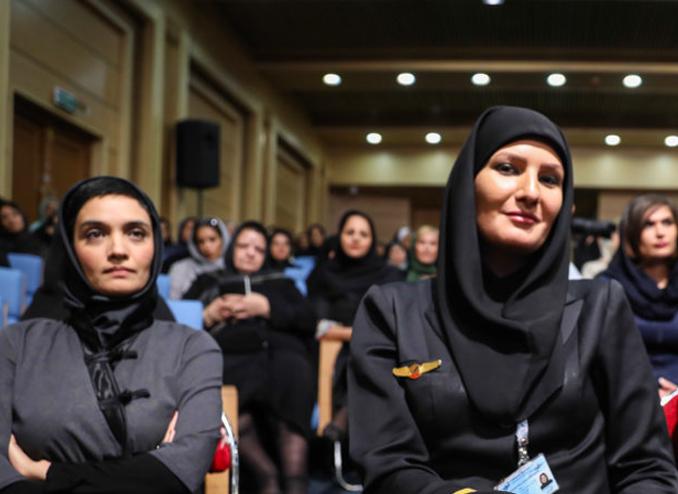 امروز به روایت تصویر// ضیافت افطار فعالان زنان، اکران خصوصی فیلم، پشت صحنه و...
