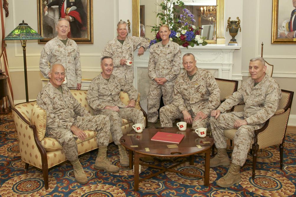 ژنرالهای ترامپ میخواهند جهان را نجات دهند؛ کار خود را از کاخ سفید آغاز کردهاند.