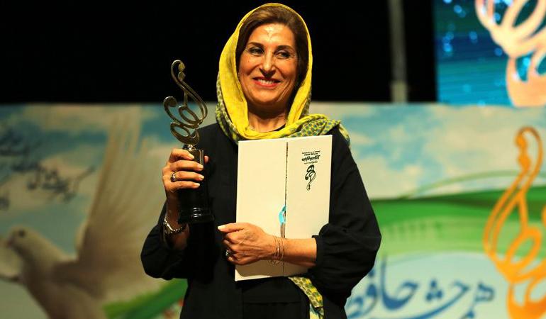 امروز به روایت تصویر// جشن حافظ، تشویق والیبالیستها، اکران مردمی فیلم و ...