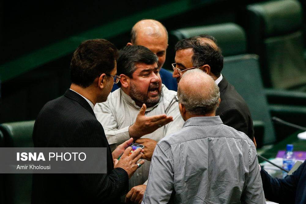 نماینده خرمشهر به ظریف هتاکی کرد