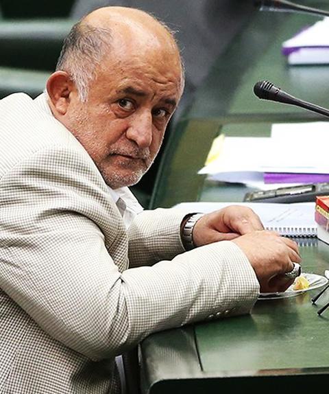 (تصاویر) تغذیه سالم قاضی پور در مجلس