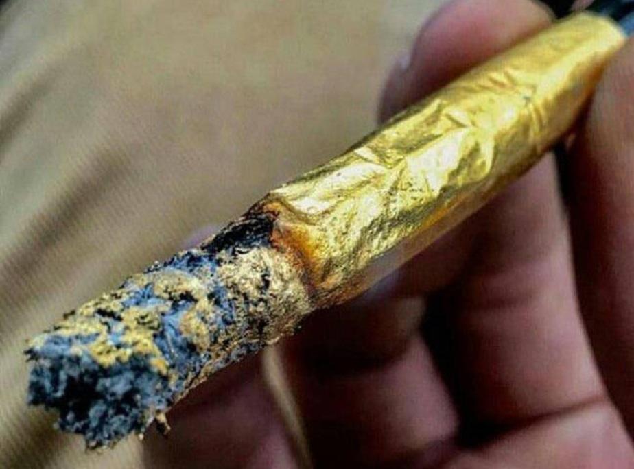 (تصاویر) سیگاری برای بچه پولدارهای تهران!
