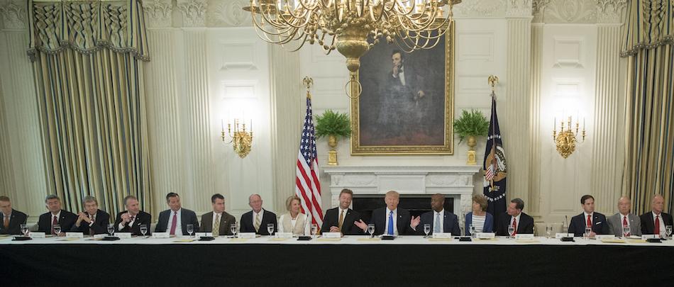 جنگ قدرت بر سر کنترل سیاست خارجی آمریکا