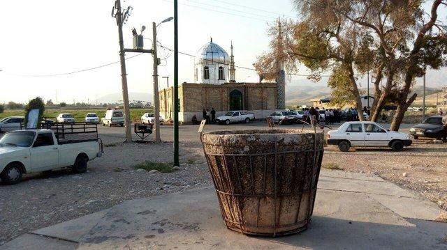 (تصاویر) اثر تاریخی که سطل زباله شد!