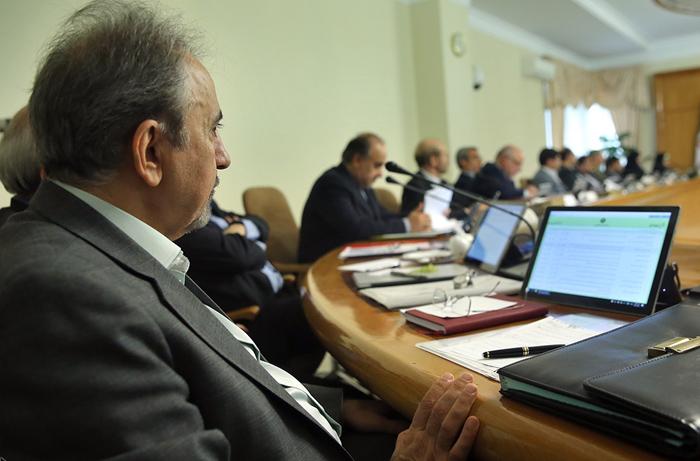 تصاویر/ پس از 18سال شهردار تهرن در جلسه دولت