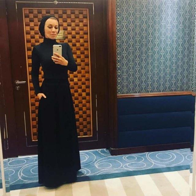 (عکس) خانم سخنگو با پوشش اسلامی در ریاض