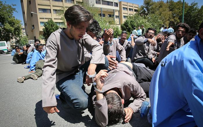 اگاهی شاپور نقد و بررسی مطبوعات: (تصاویر) سارقان حرفهای تهران