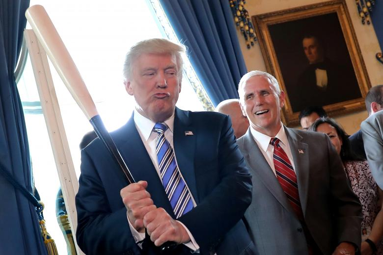 با نگرانی زیاد به کاخ سفید چشم دوختهایم!