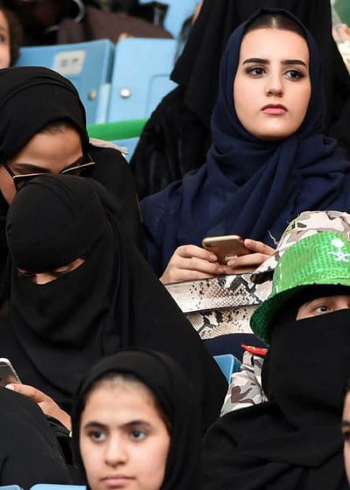 (تصاویر) زنان در عربستان به ورزشگاه رفتند
