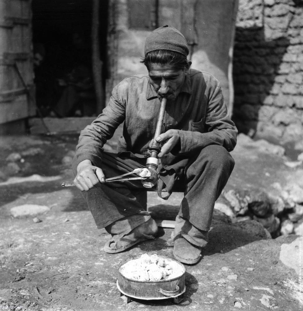 ایران در ۶۵ سال قبل: عطر تریاک، بوی فقرگزارش تحلیلی میدانی اشپیگل از ایران در سال ۱۳۳۱