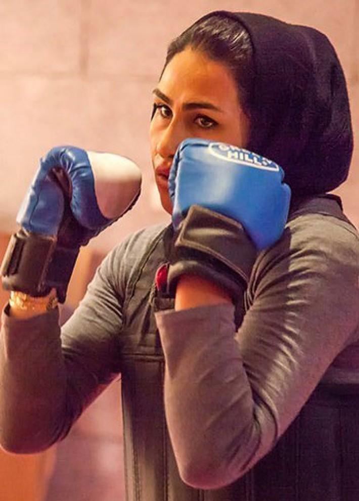 (تصاویر) دختر کوچنشین، قهرمان کیک بوکسینگ