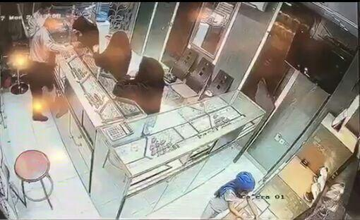 (تصویر) پلیس در جستجوی 3 زن دزد