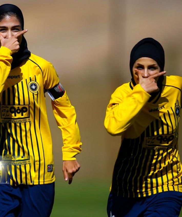 امروز به روایت تصویر// شادی و درگیری در فوتبال بانوان،  فوتبالیستهای زخمی و ...