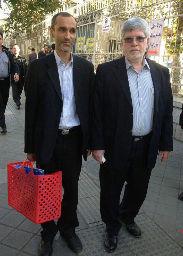 (تصاویر) بقایی با زنبیل قرمز به دادگاه رفت